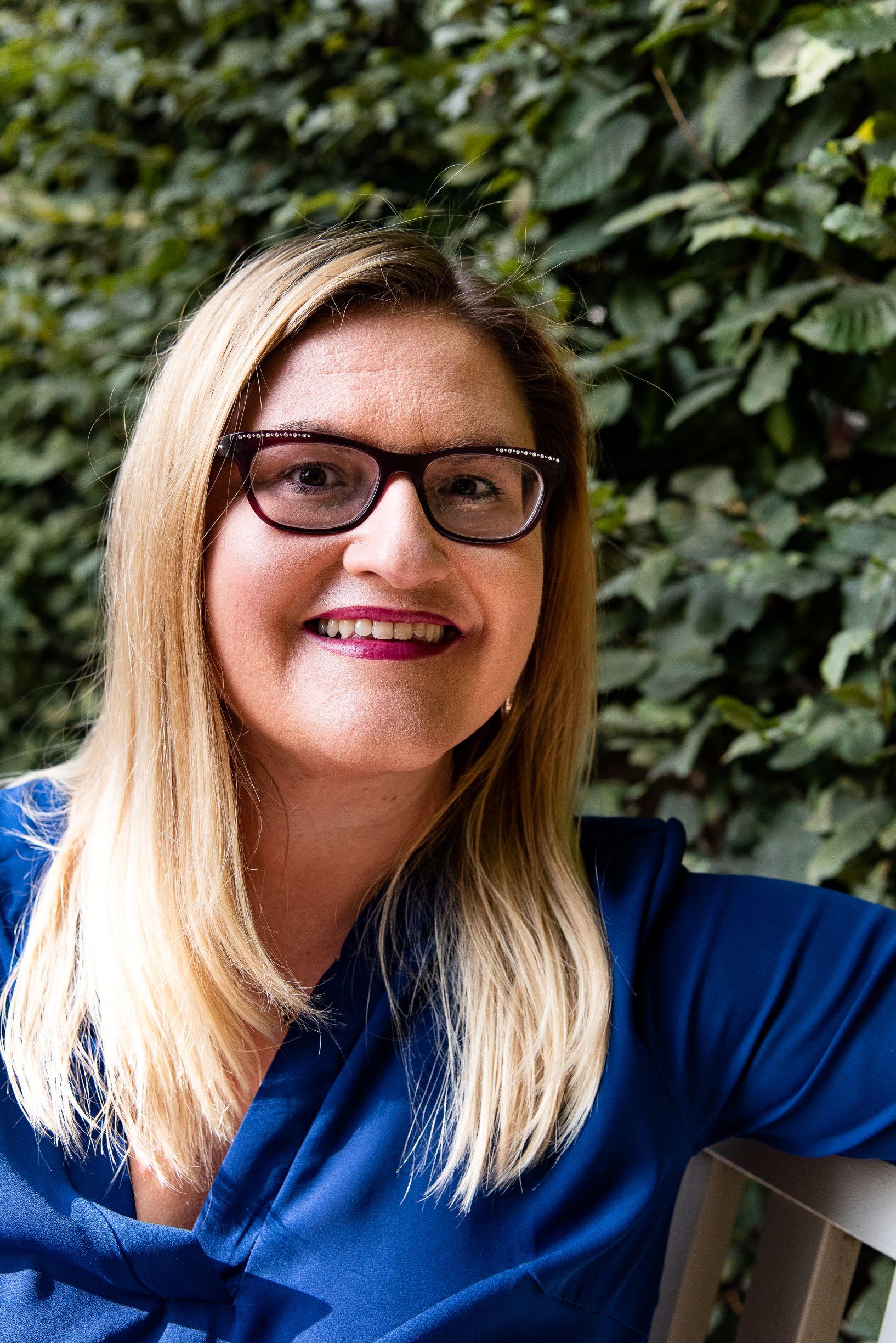 Eleni Iatridi - Deine Spirit-Botschafterin - Spirituelle Mentorin und Life Coach mit Premium Channelings